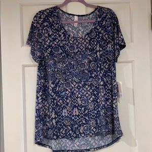LuLaRoe blue floral pattern Classic T shirt L NWT